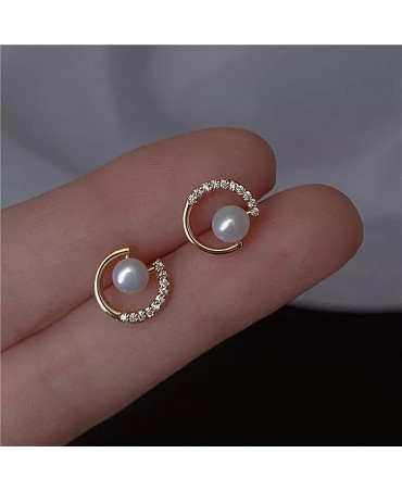 Round Exquisite Pearl Earrings